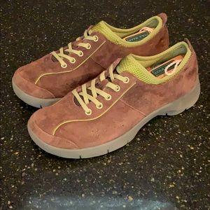 Dansko Elise Brown Suede Leather Sneakers. 38/8